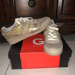 G BY GUESS good glitter shoes